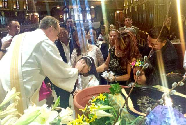 Bautismo de Ciara, niña ecuatoriana en St. Viator Church in Chicago