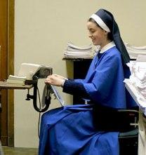 religiosas trabajando