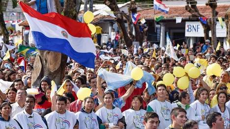 Papa-Francisco-Caacupe-Paraguay-Latinoamerica_CLAIMA20150711_0094_37