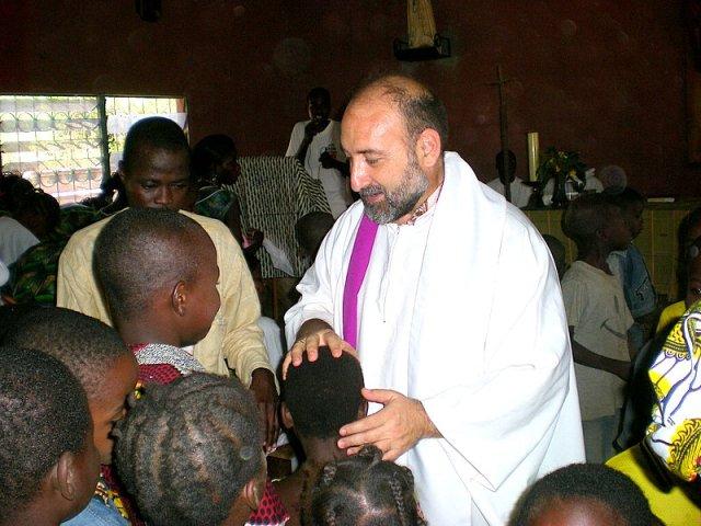Manu Rubio, clerigo de san viator