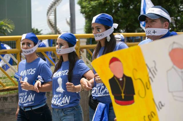 Marcha de apoyo a los obispos